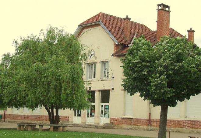 l'école de garçons et le collège Paul-Fourrey,