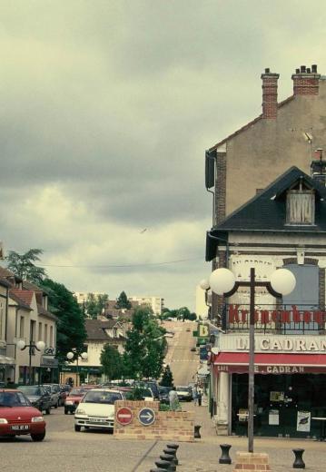 l'avenue de la gare