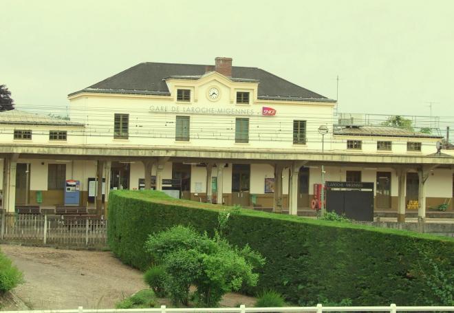 la gare de Laroche-Migennes
