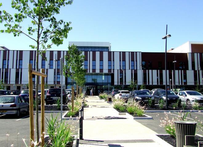 La façade du nouvel hôpital