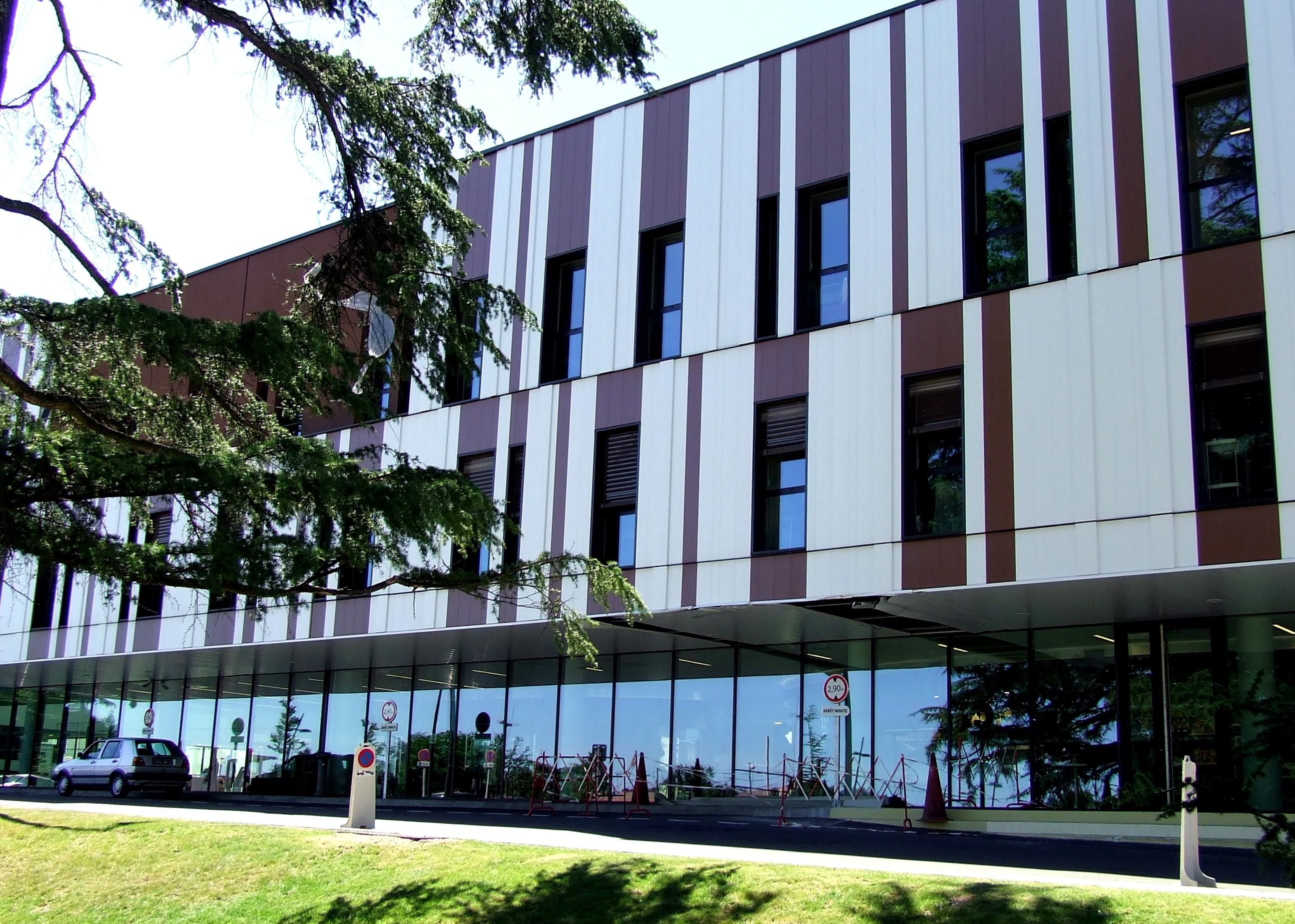 Autre vue du nouveau bâtiment