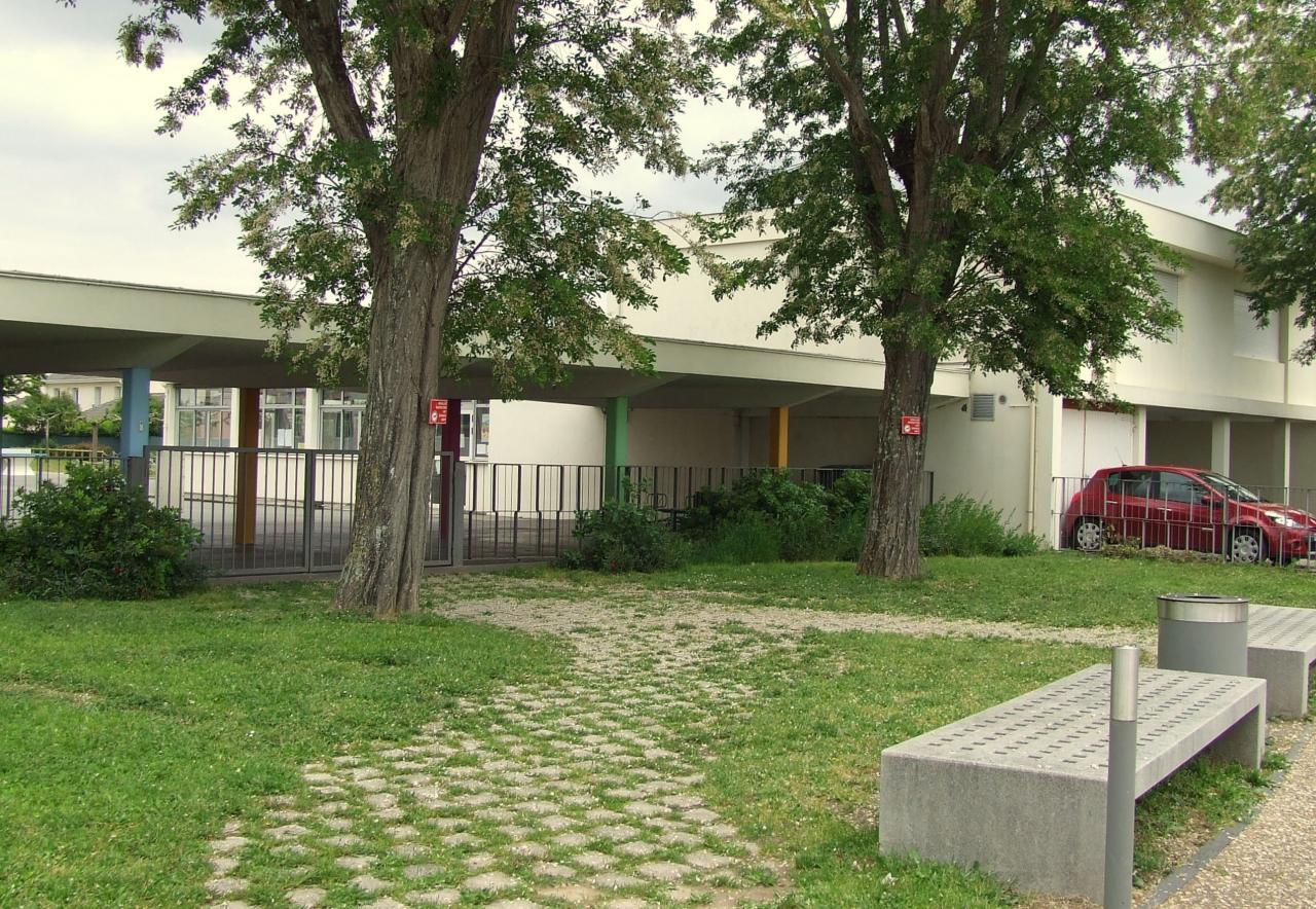 l'école maternelle Garderose