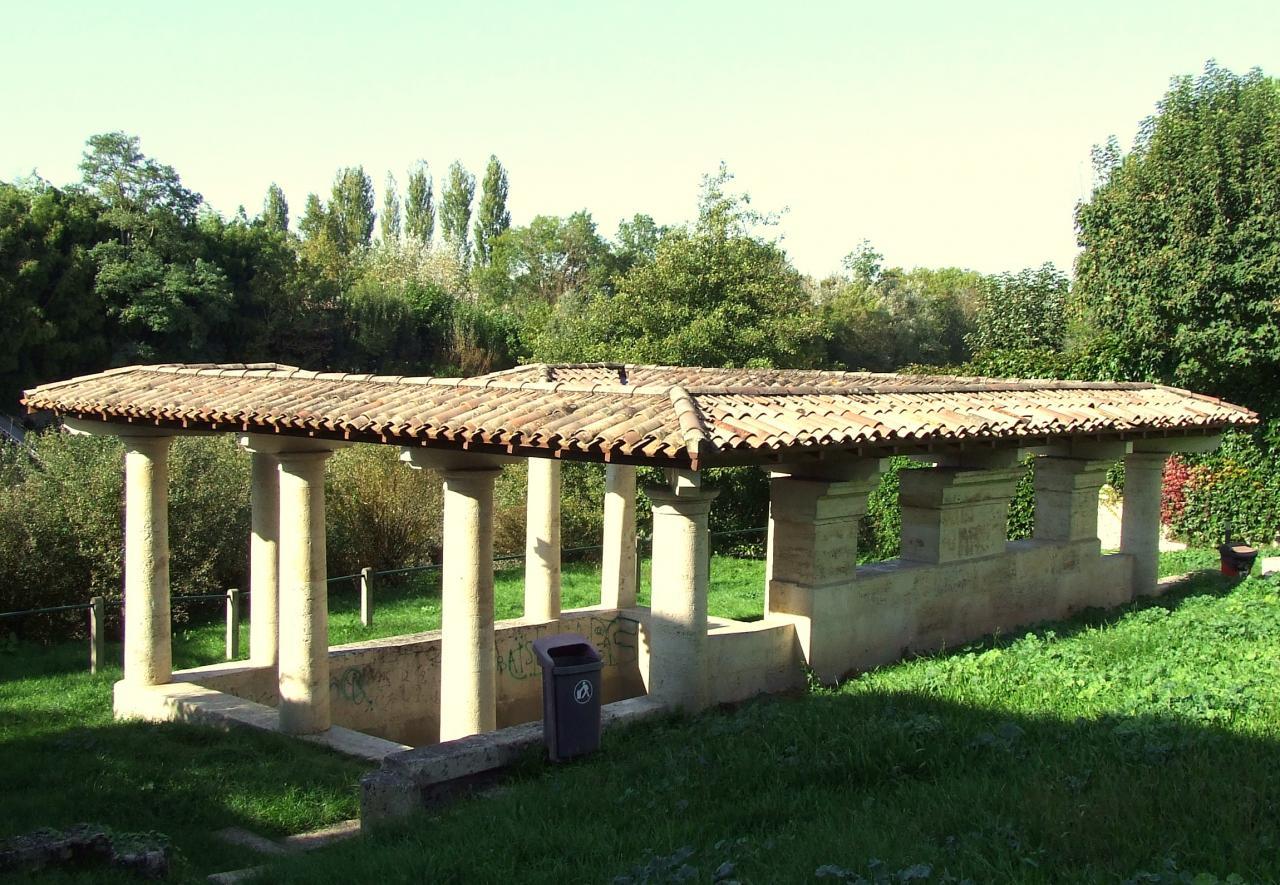 la fontaine-lavoir de la Roudeyre