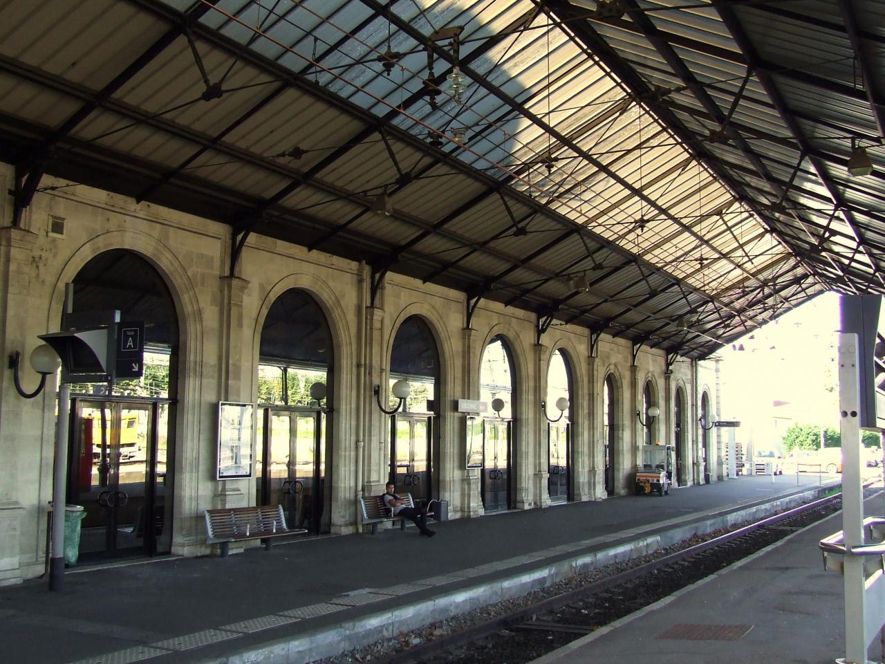 la gare SNCF, coté quai
