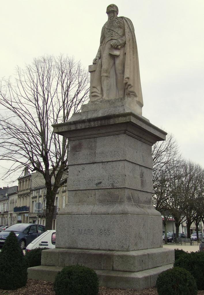 la statue du Duc Decazes