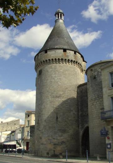 la Tour Richard, vue des quais