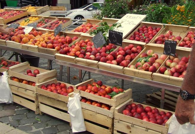 pommes, poires et fruits rouges