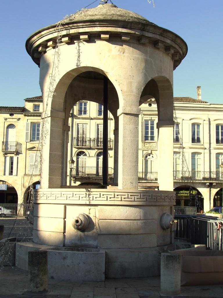 place Abel-Surchamp, la fontaine