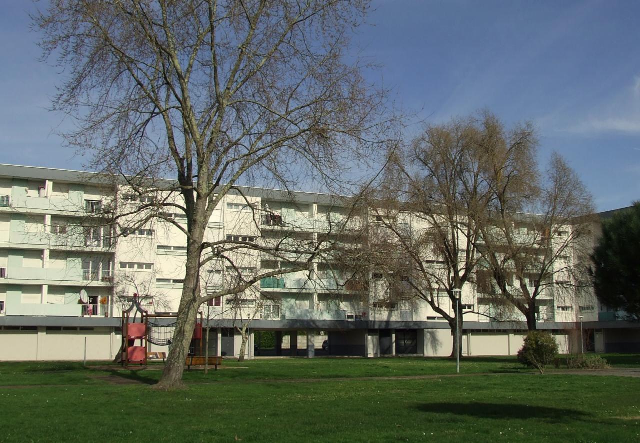 la résidence Peyronneau avec ses espaces verts